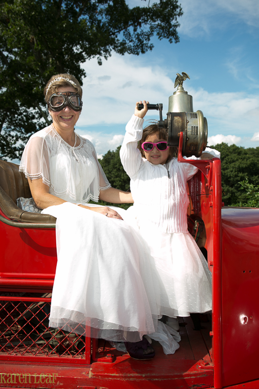 vintage firetruck bringing bride to wedding-9