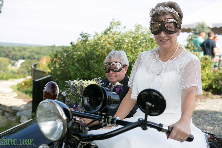 wedding pictures with vintage cars-5